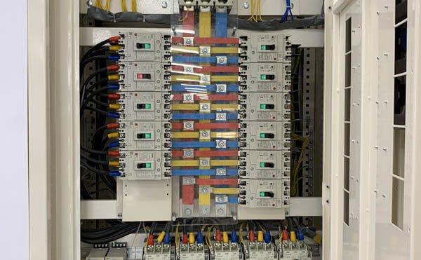 Hệ thống tủ điện thông minh chuyên dụng để thi công hệ thống mep, hệ thống m&e nhà xưởng, nhà máy