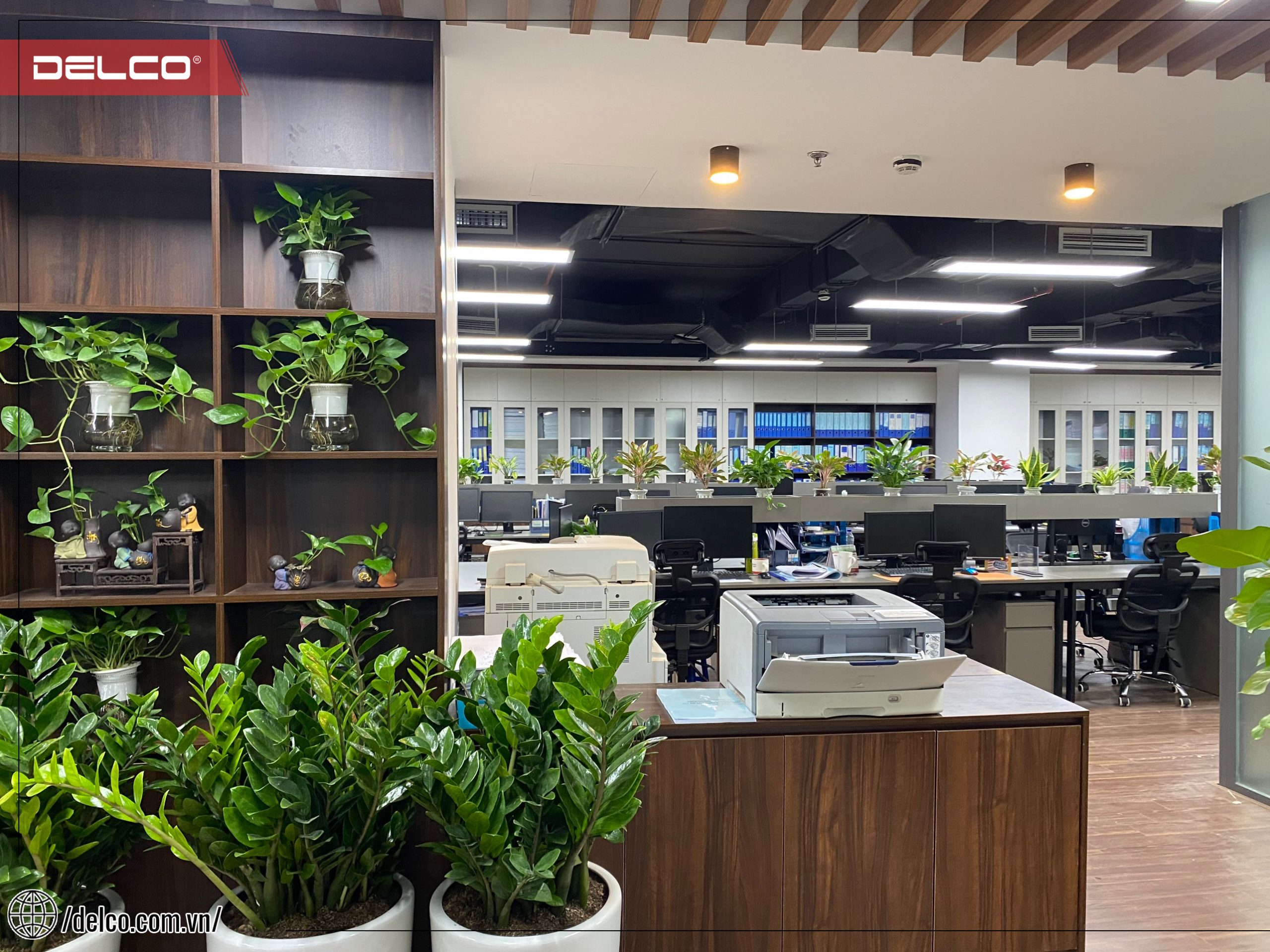 Cây xanh có mặt ở tất cả các không gian trong văn phòng: sảnh chính, phòng họp, phòng tổng giám đốc…, đến bàn làm việc của từng cá nhân.